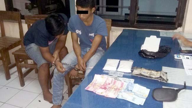 BUI : Sang pemuda dan temannya di Polsek Sumberpucung. (Foto Humas Polres Malang)