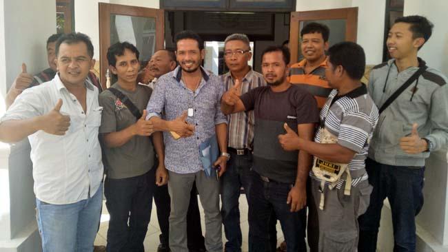 Diduga Pungli, Kades Banyuanyar Dilaporkan ke Jaksa