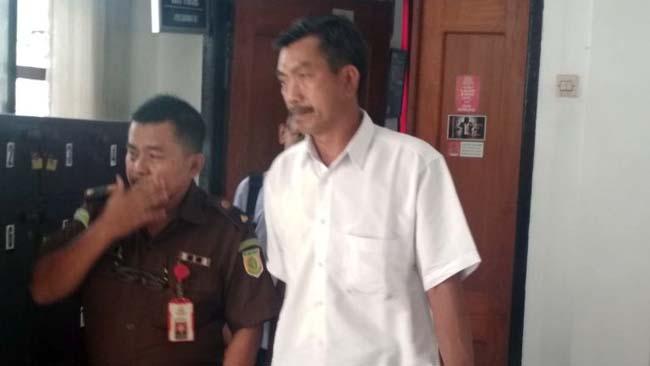 Diduga Pungli Prona, Sekdes Cantuk Ditahan