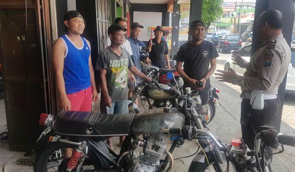 Ajak Komunitas Honda CB Perduli Keselamatan