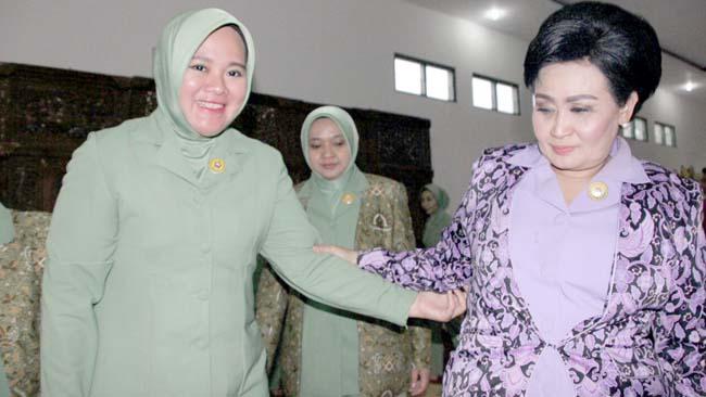 Ketua Umum Persit Dharma Pertiwi Kunjungi Yon Zipur 5 /ABW Malang