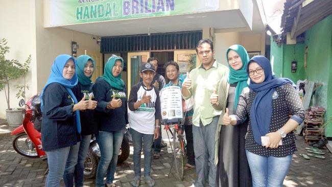 Tarmizi, Pesepeda Keliling Indonesia Diterima Tim Handal dan Komunitas IKL di Kota Probolinggo