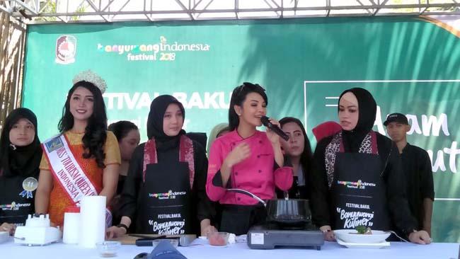 Chef Farah Quinn Demo Ayam Kesrut