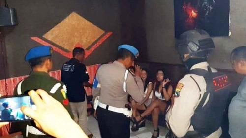Hiburan Malam di Kediri Diobrak TNI-Polri