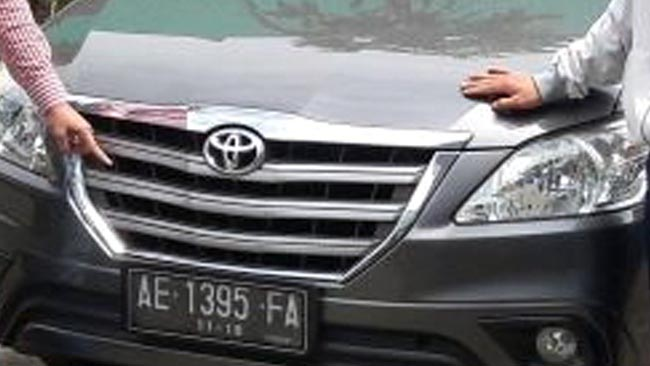 Mobil Curian Ditinggal di Area Parkiran Pasar Gadang