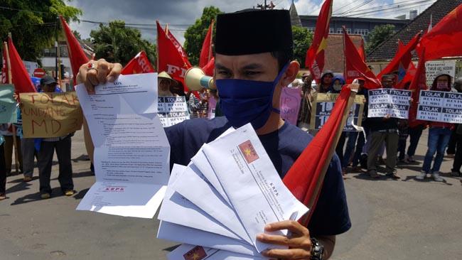 Tolak UU MD3, KRPK Gelar Aksi Tutup Mulut