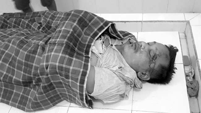 Jenazah korban,Teguh Arif Widodo setelah tercebur sungai (gus HP)