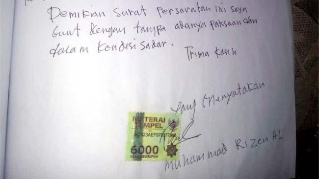 Surat pernyataan kesanggupan pembayaran diatas materai. (foto: tut)
