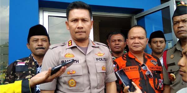 Kapolres Batu AKBP Budi Hermanto bersama Ketua Ormas Pemuda Pancasila Batu Endro Wahyu, serta Zainul Arifin Perwakilan Ansor Batu