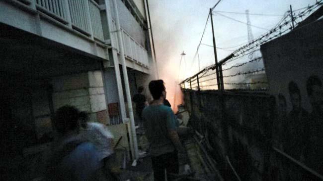 Sampah Mall KDS Terbakar, Karyawan dan Pembeli Berhamburan