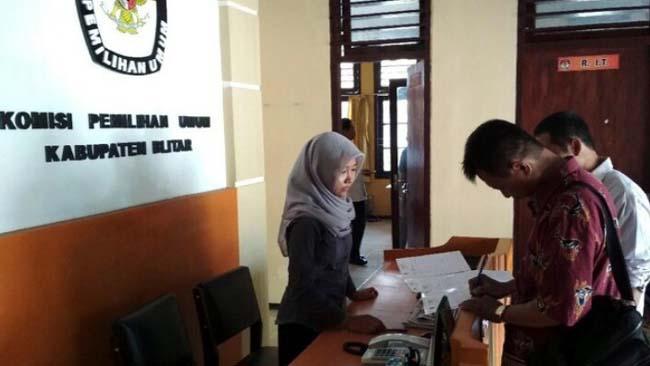 KPU Kabupaten Blitar Kembalikan Semua Berkas Parpol