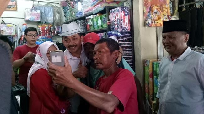 Blusukan di Pasar Citra Niaga Jombang, Gus Syaf dengarkan Curhat Pedagang