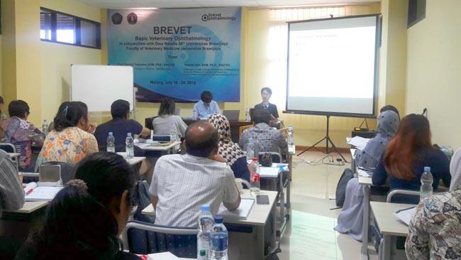 FKH UB Datangkan Ahli Ophthalmology dari Jepang di Pelatihan Dokter Hewan