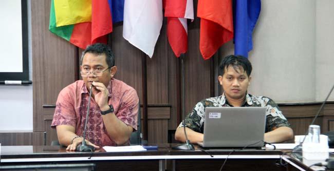 Wadek III FT-UB, Dr. Eng. Denny Widhiyanuriyawan, ST., MT., dan Ketua Pelaksana KKM ke-41, Joshua Putra S. (ist)