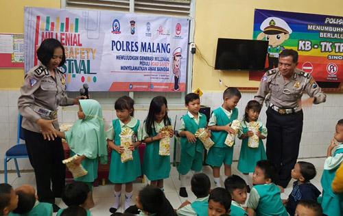 Kampanye Millennial Road Safety Festival Satlantas Polres Malang Sentuh Generasi Millenial Usia Dini