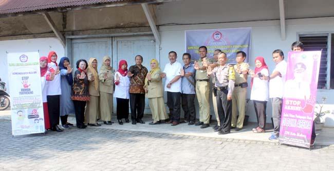 Rakor LPA, komunitas PP-TPPO, dan pihak kelurahan, di kantor LPA, Selasa (8/1/2019). (rhd)