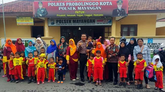 Polsek Mayangan Perkenalkan Polisi Sahabat Anak ke Murid PAUD