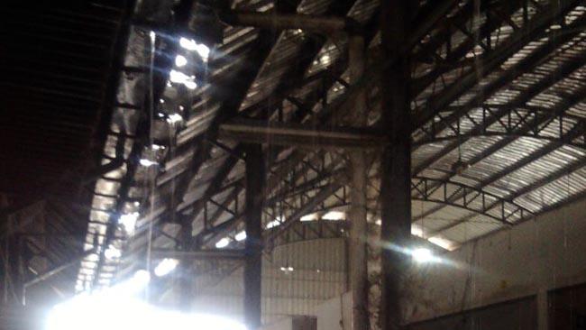 Pedagang Pasar Ngemplak Keluhkan Talang Bocor dan Jalan Becek