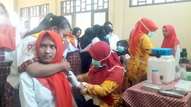 Antisipasi Wabah, Ribuan Siswa SMK Antartika 2 Sidoarjo Disuntik Vaksin Difteri