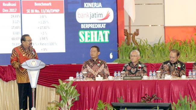 Pakde Karwo  Serukan Bank Jatim Jadi Regional Champion Bank