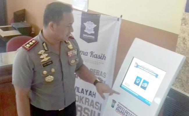 Polres Malang Kini Sediakan Mesin  Nomor Antre SIM dan Aplikasi PREGO