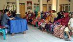 PT Berdikari Bagikan CSR 600 Paket Beras ke Sumber Taman