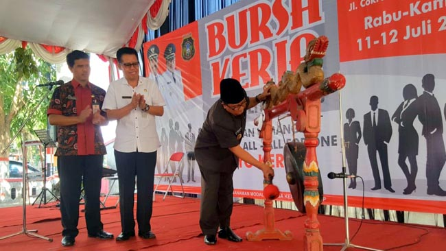 Wakil Walikota Blitar Buka Bursa Kerja Tahun 2018
