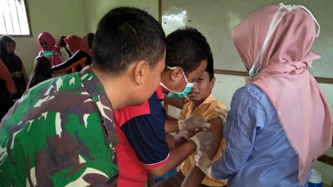 Bersinergi dengan UPT Puskesmas, Berikan Imunisasi Bagi 808 Siswa
