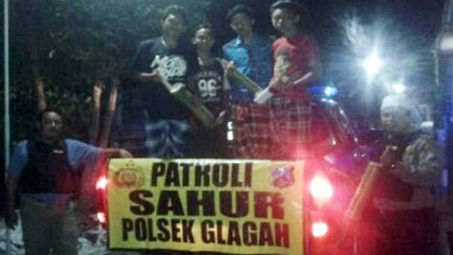 Polsek Glagah  Gelar Patroli Sahur Bersama Pemuda