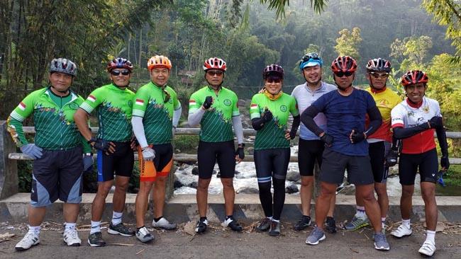 Danrem  083 Pancal Sepeda Sambil Pantau Wilayah