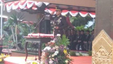 Dandim 0815 Irup Penurunan Merah Putih di Pemkab Mojokerto