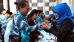 Ratusan CJH Plus Sumbang Korban Gempa Lombok Sebelum Berangkat