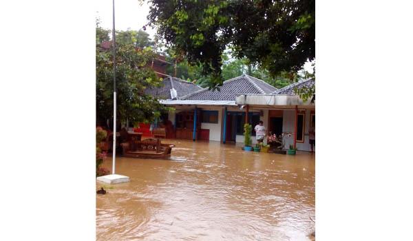 Sitiarjo Dikepung Banjir