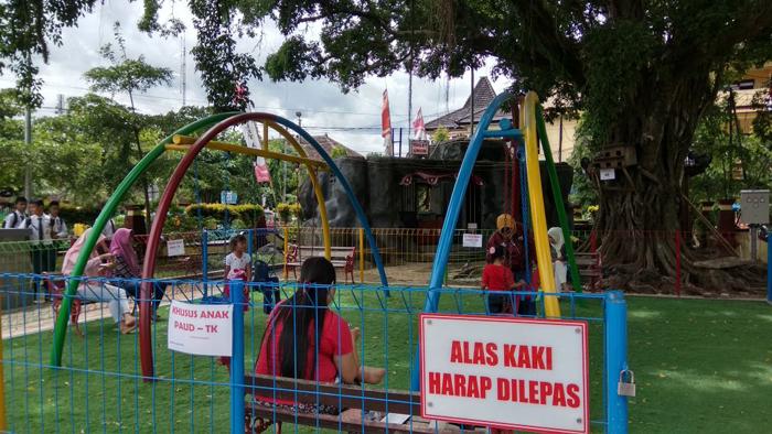 Arena Bermain Anak Bertambah, Tarik Minat Pengunjung ke Alun-alun Trenggalek