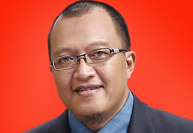 KTP-elektronik: Dilema Konstitusi Antara KPU dan Panwaslu