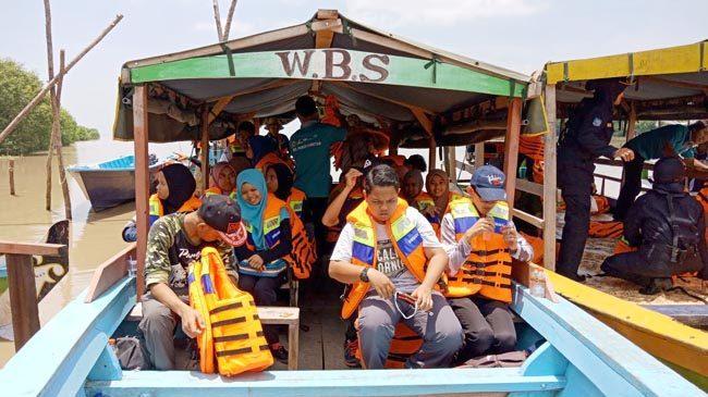 75 Turis Malaysia Kepincut Wisata MBS dan Petik Buah Pangkah Wetan